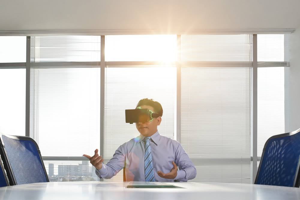 <p>VR消火訓練シミュレータ 顧客への防災訓練で活用</p>